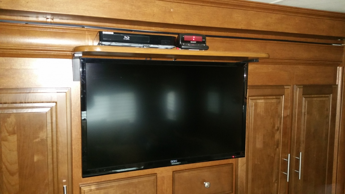 Click image for larger version  Name:Bedroom Bluray shelf.jpg Views:112 Size:209.9 KB ID:100521