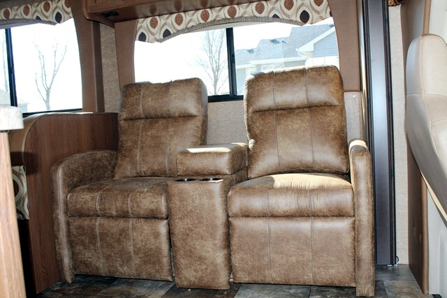 Click image for larger version  Name:Chairs in Coach.jpg Views:74 Size:93.6 KB ID:101668