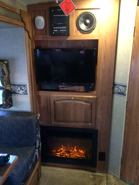 Click image for larger version  Name:FIRE PLACE.JPG Views:316 Size:104.4 KB ID:102983