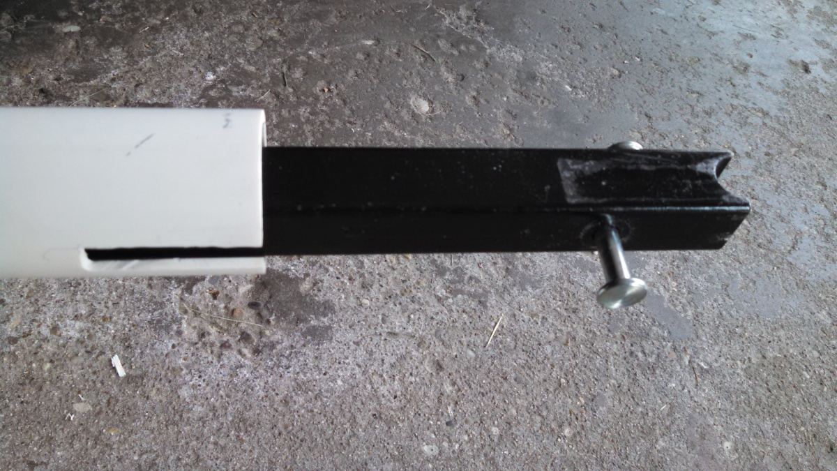 Click image for larger version  Name:Hitch Bar Holder 3.jpg Views:182 Size:358.4 KB ID:103643