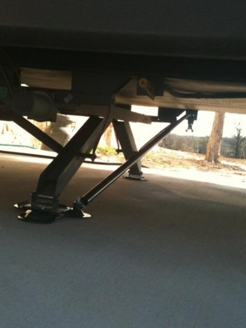 Click image for larger version  Name:rear legs.jpg Views:175 Size:26.7 KB ID:10607