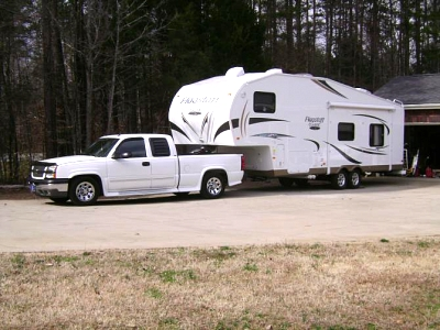 Click image for larger version  Name:05 Silverado 1500 with 2012 Flagstaff 8528RKWS (3).jpg Views:272 Size:54.9 KB ID:10648