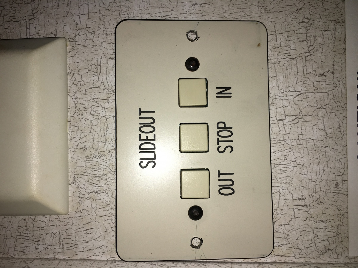 Click image for larger version  Name:SWITCH PLATE.jpg Views:48 Size:396.2 KB ID:108771