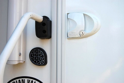 Click image for larger version  Name:Wireless RV Door Lock.jpg Views:267 Size:36.4 KB ID:10911
