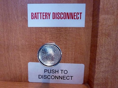 Click image for larger version  Name:push-pull battery disconnect.jpg Views:161 Size:30.9 KB ID:109533
