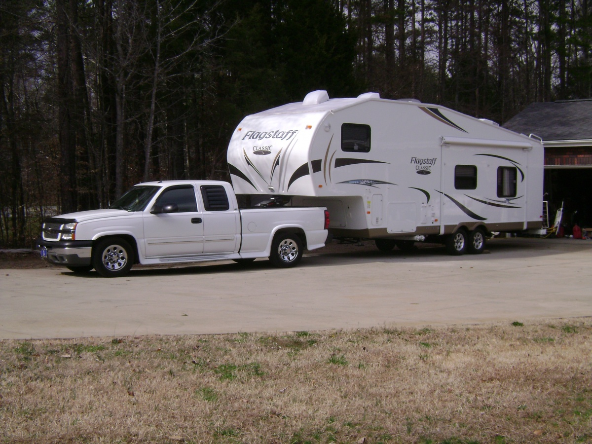 Click image for larger version  Name:05 Silverado 1500 with 2012 Flagstaff 8528RKWS 1.jpg Views:154 Size:393.8 KB ID:109872