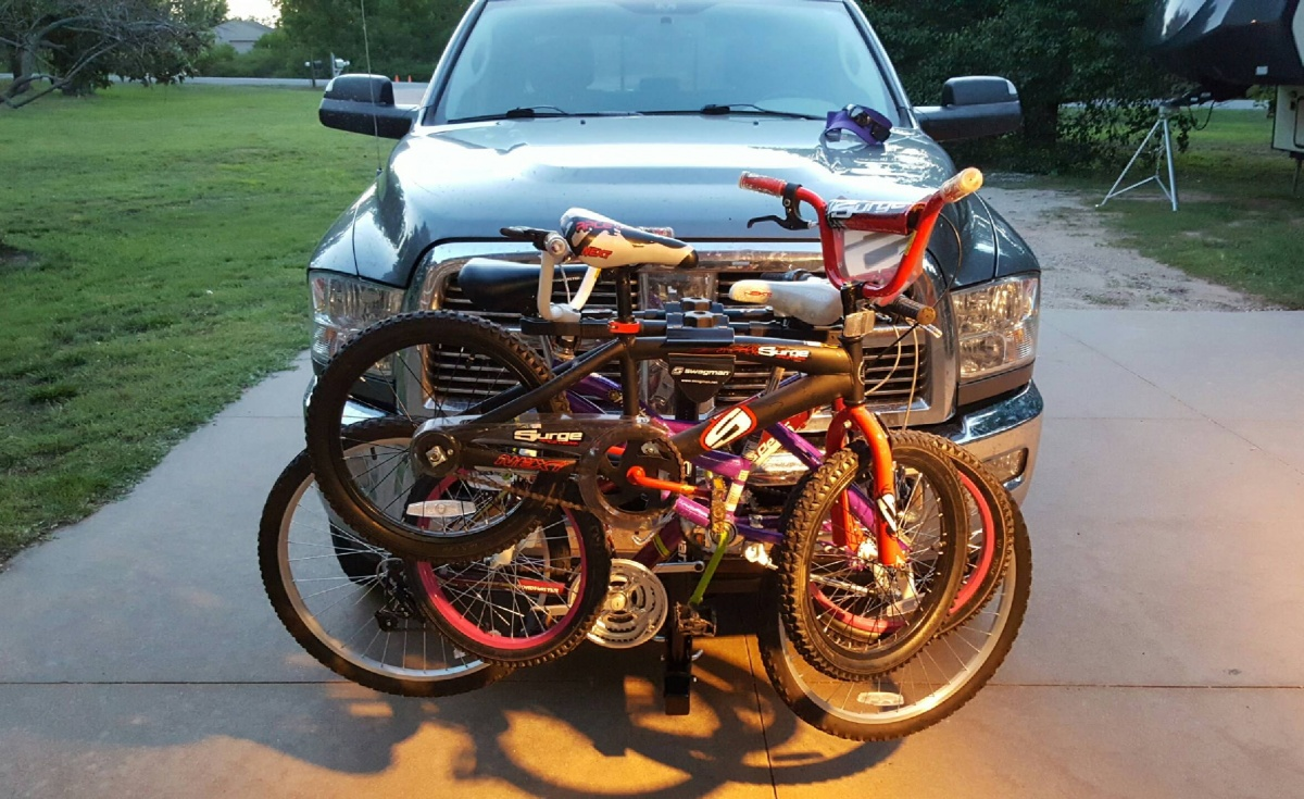 Click image for larger version  Name:bikerack.jpg Views:64 Size:349.8 KB ID:111825