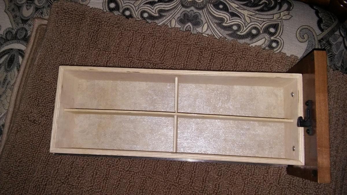 Click image for larger version  Name:drawer divider.jpg Views:48 Size:375.5 KB ID:114120