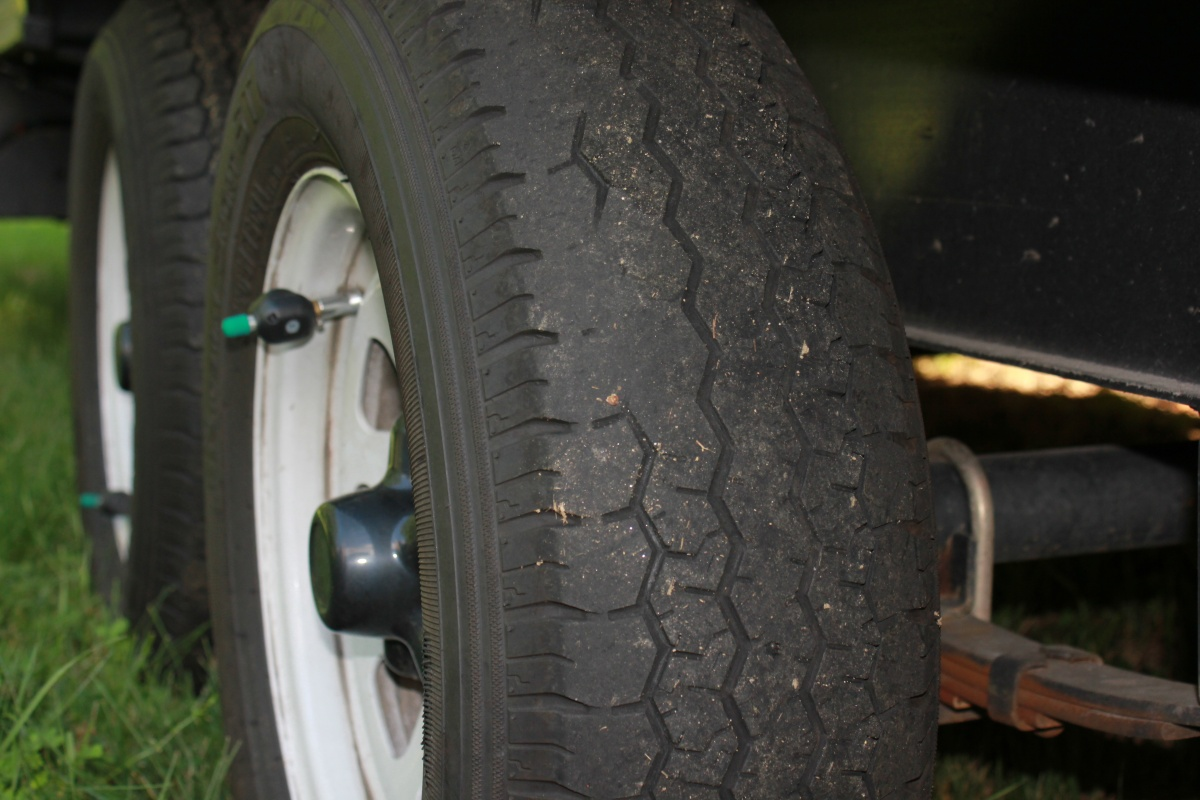 Click image for larger version  Name:Tire wear.jpg Views:57 Size:249.5 KB ID:114648