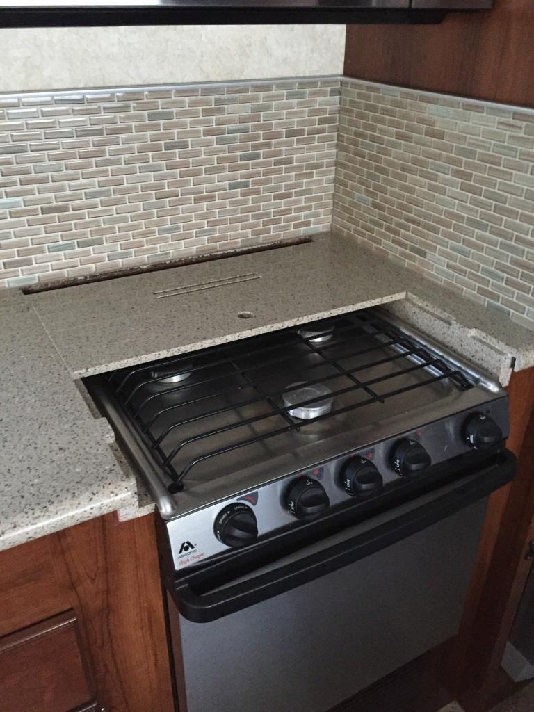 Click image for larger version  Name:Kitchen 6 stove and backsplash.JPG Views:92 Size:254.0 KB ID:115526