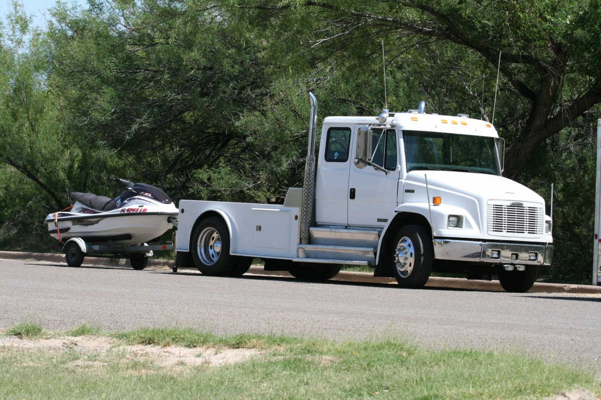 Click image for larger version  Name:Big Rig IMG_2110.jpg Views:120 Size:490.8 KB ID:117182