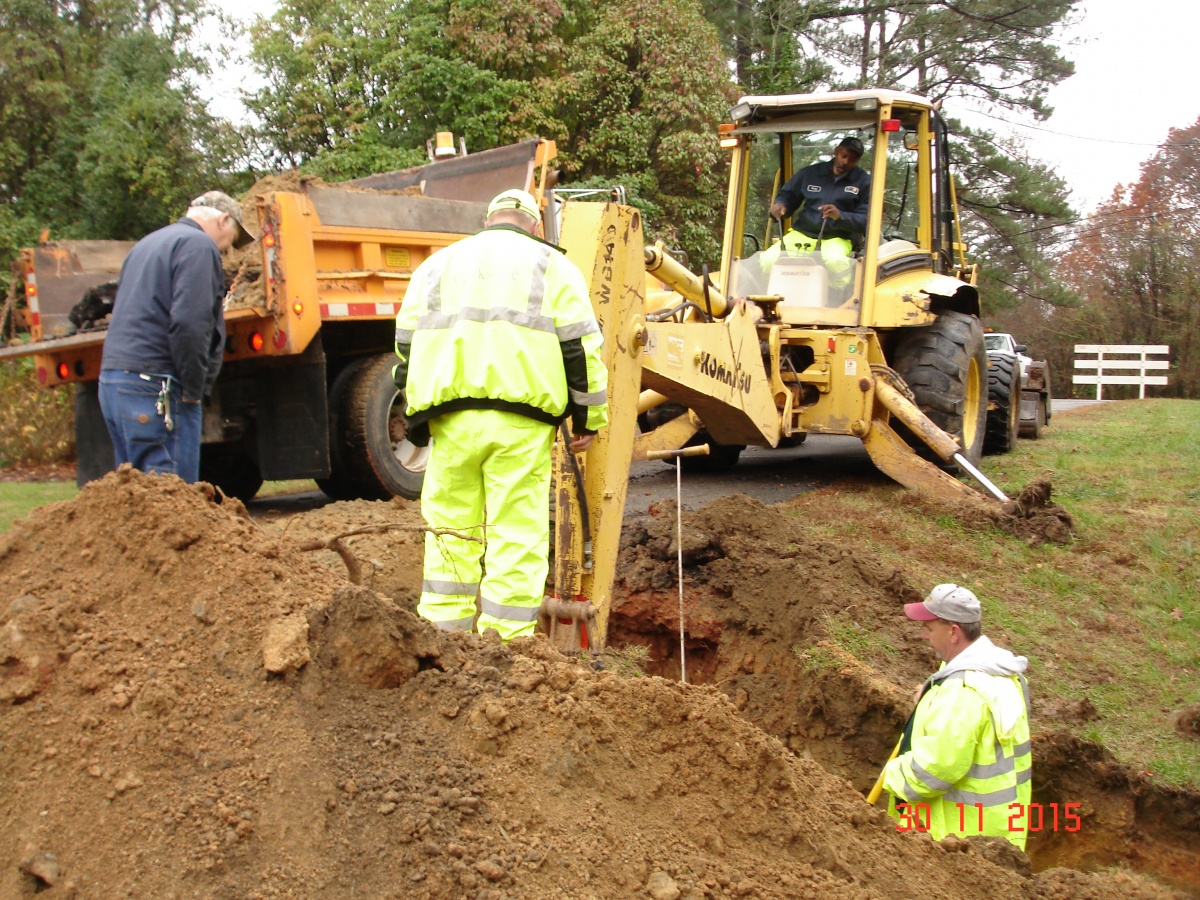Click image for larger version  Name:sewer line repair 002.jpg Views:92 Size:559.1 KB ID:118709
