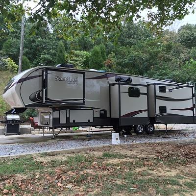 Click image for larger version  Name:camper.jpg Views:100 Size:735.3 KB ID:123844