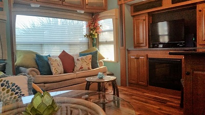 Click image for larger version  Name:5  Living Area 1 20170227_172231.jpg Views:89 Size:95.9 KB ID:133765