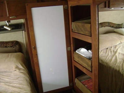 Click image for larger version  Name:Closet drawer.jpg Views:166 Size:40.0 KB ID:138428