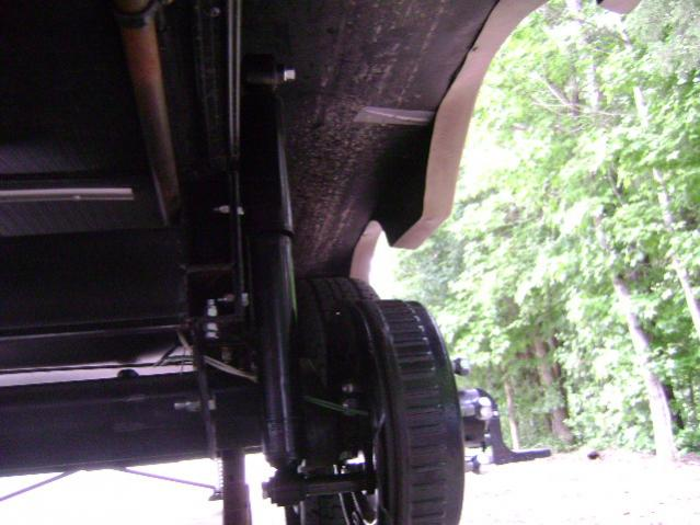 Click image for larger version  Name:Rear RR Shock.jpg Views:128 Size:44.3 KB ID:14117