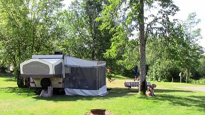 Click image for larger version  Name:Trailer La Tuque 800x450.jpg Views:107 Size:158.2 KB ID:148194