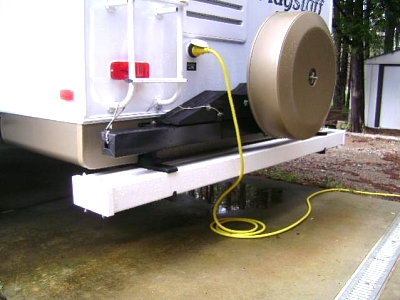 Click image for larger version  Name:Sewer hose, connections & Driver side Sun Shades.jpg Views:108 Size:37.0 KB ID:14827