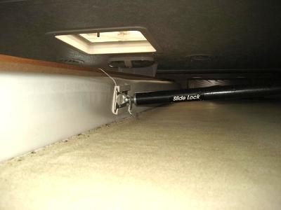 Click image for larger version  Name:Camper Slide Braces 003.jpg Views:84 Size:51.4 KB ID:15472