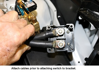 Click image for larger version  Name:3 Attaching cables.jpg Views:72 Size:181.6 KB ID:157259