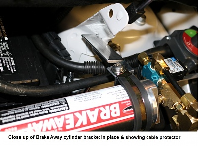 Click image for larger version  Name:8 Close up of Brake Away cylinder & upper bracket in place..jpg Views:68 Size:247.4 KB ID:157260