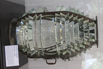 Click image for larger version  Name:Fresnel lens used in Lighthouse.jpg Views:141 Size:258.7 KB ID:160553
