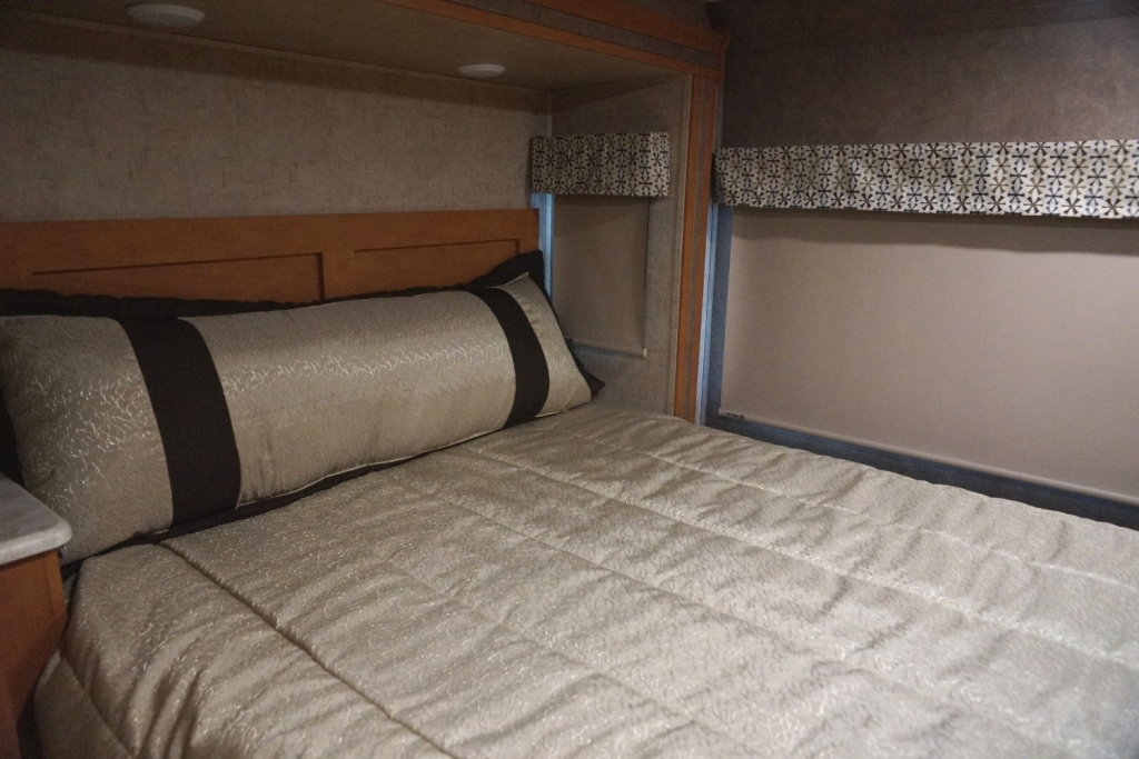Click image for larger version  Name:Bedroom.JPG Views:120 Size:520.0 KB ID:162414