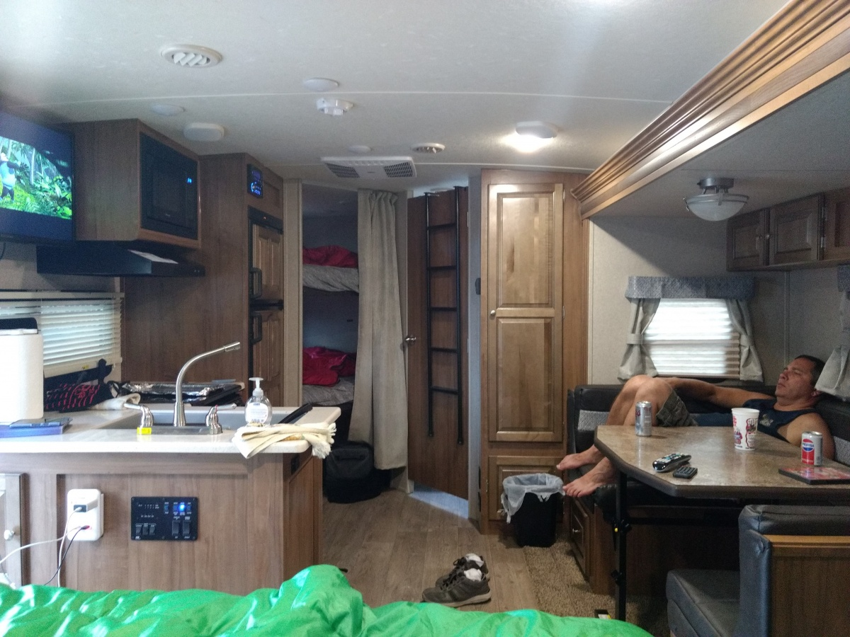 Click image for larger version  Name:chilin_camper.jpg Views:250 Size:362.2 KB ID:172959