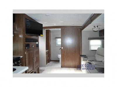 Click image for larger version  Name:6 Living Area.jpg Views:205 Size:43.5 KB ID:185081