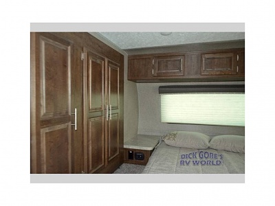 Click image for larger version  Name:9 Left Bedroom.jpg Views:195 Size:43.7 KB ID:185083