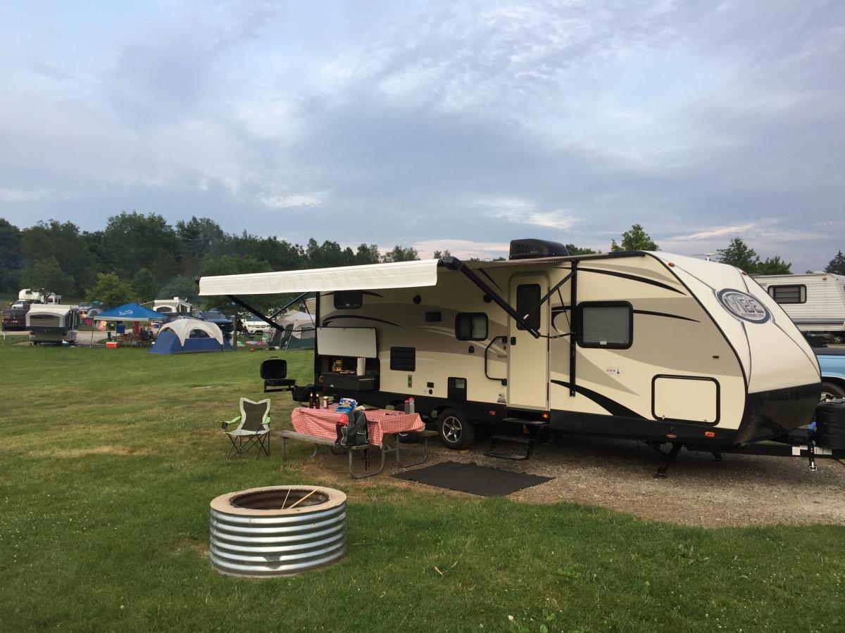Click image for larger version  Name:camper - R front quarter 1.jpg Views:42 Size:360.7 KB ID:185677