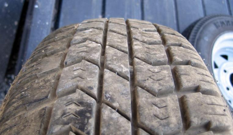 Click image for larger version  Name:tire_wear-1.jpg Views:101 Size:50.0 KB ID:18906