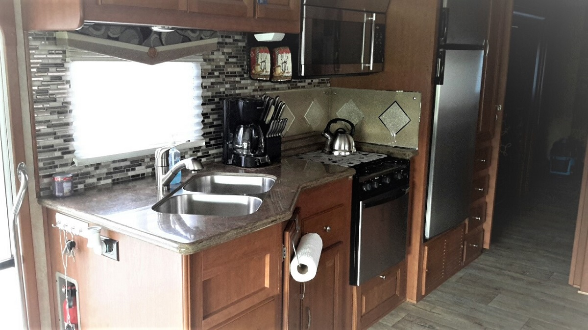 Click image for larger version  Name:F - Kitchen a.jpg Views:34 Size:265.6 KB ID:192611