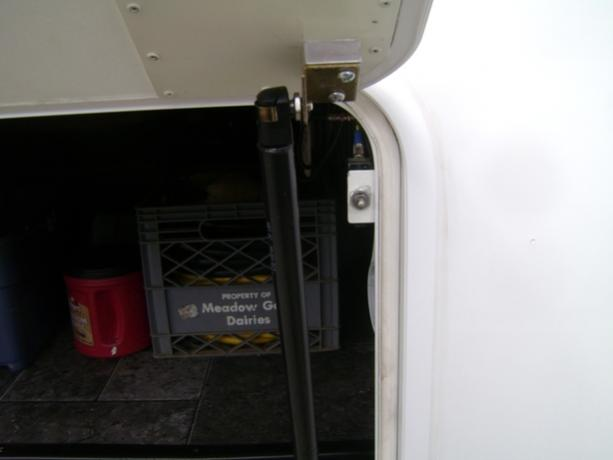 Click image for larger version  Name:Driverside light microswitch.jpg Views:74 Size:18.2 KB ID:19333