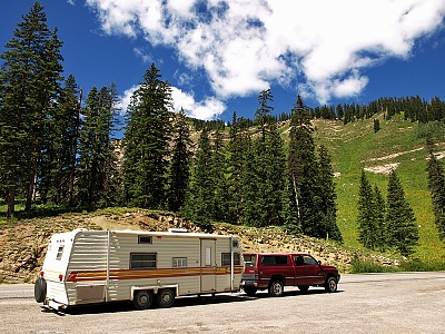 Click image for larger version  Name:CoachmanOnMolasPass-P8207612.jpg Views:36 Size:1.11 MB ID:197797
