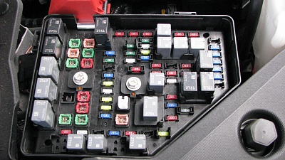 Click image for larger version  Name:7 New fuse block installed.jpg Views:31 Size:342.9 KB ID:198685