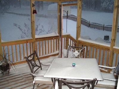 Click image for larger version  Name:Back Porch.JPG Views:93 Size:50.8 KB ID:2043