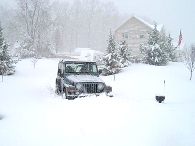 Click image for larger version  Name:Jeep in Driveway.JPG Views:92 Size:38.9 KB ID:2047