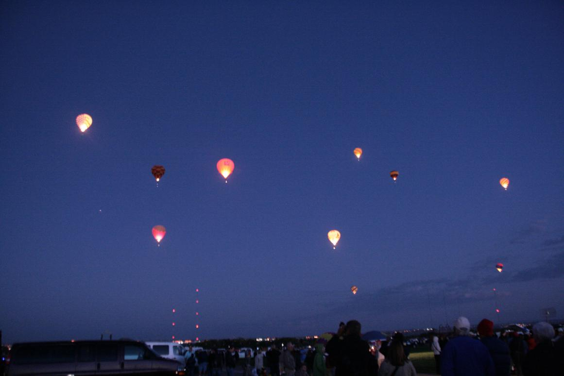 Click image for larger version  Name:3 balloon 013.jpg Views:89 Size:49.9 KB ID:20757