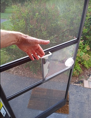 Click image for larger version  Name:Screen Door Handle.JPG Views:307 Size:139.9 KB ID:210083