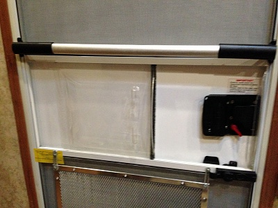 Click image for larger version  Name:Screen door handle.jpg Views:195 Size:360.7 KB ID:211678