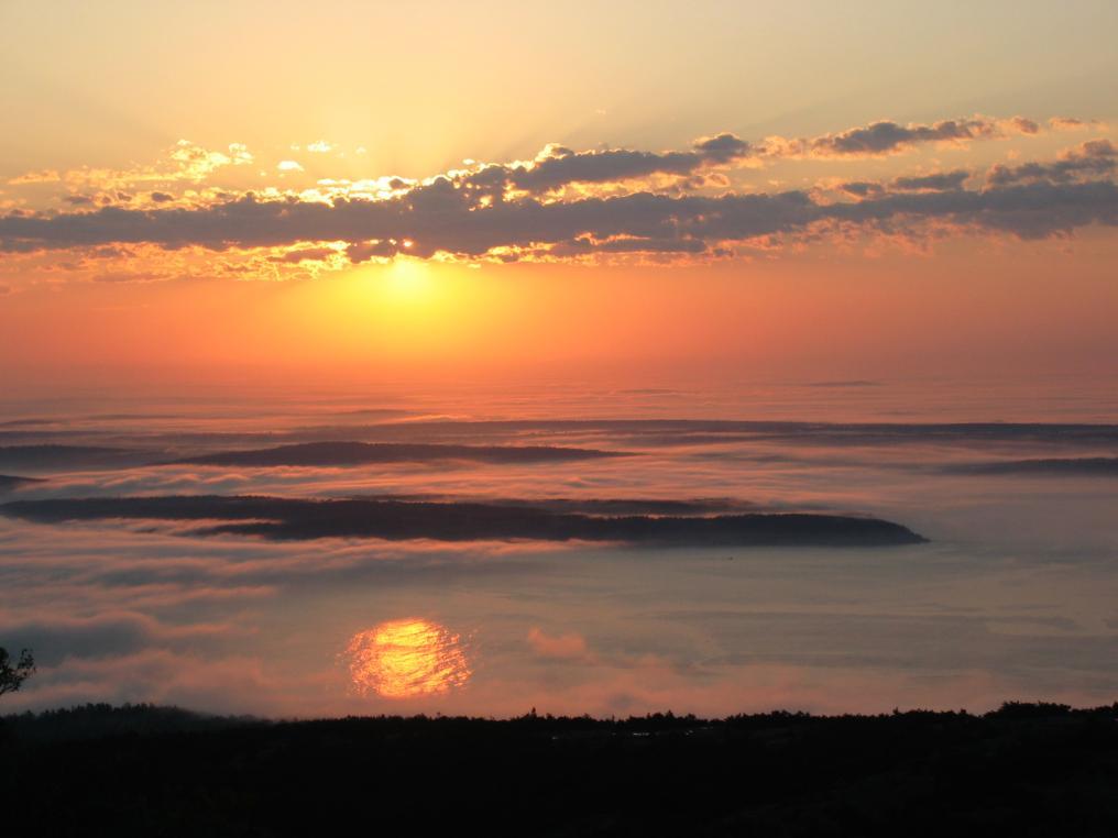Click image for larger version  Name:BarHarbor3_sunrise 033a.jpg Views:42 Size:53.5 KB ID:21530