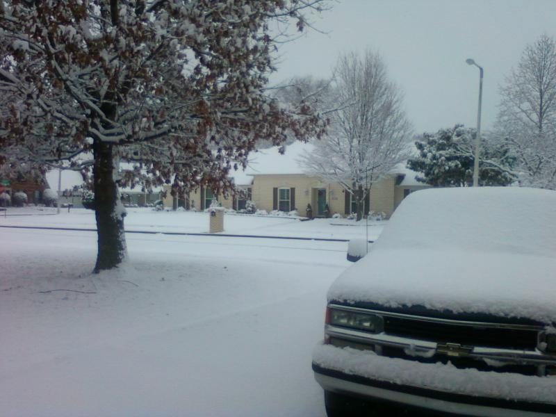 Click image for larger version  Name:snow-208.jpg Views:130 Size:59.5 KB ID:2154