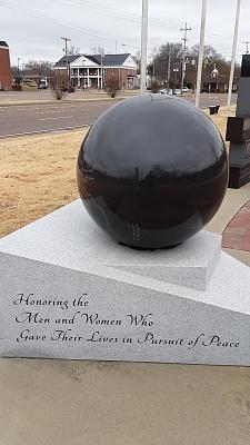 Click image for larger version  Name:Savannah Memorial 2.jpg Views:21 Size:129.3 KB ID:220120
