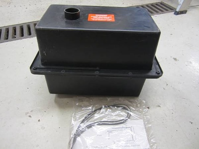 Click image for larger version  Name:OEM Vented Battery Box for 5th Wheel.jpg Views:40 Size:21.7 KB ID:223014
