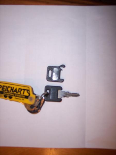 Click image for larger version  Name:blackcoating on camper keys.jpg Views:107 Size:15.9 KB ID:2330