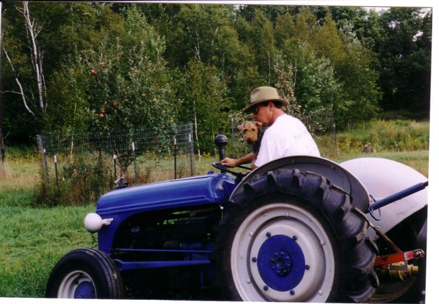 Click image for larger version  Name:bobhoovertractor.jpg Views:78 Size:66.2 KB ID:2353