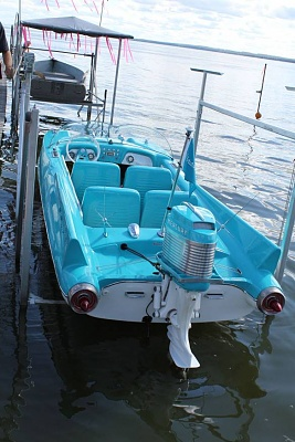 Click image for larger version  Name:meboat2.jpg Views:43 Size:72.6 KB ID:241208
