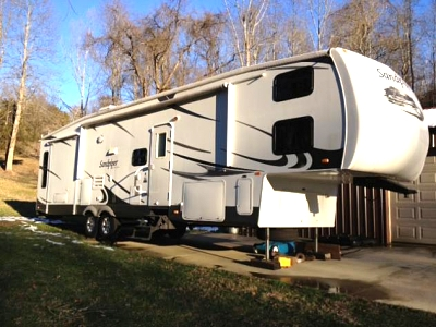 Click image for larger version  Name:RV Outside 4.jpg Views:112 Size:48.3 KB ID:25091