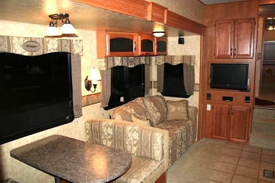 Click image for larger version  Name:RV Inside 2 - Copy.jpg Views:98 Size:49.0 KB ID:25094